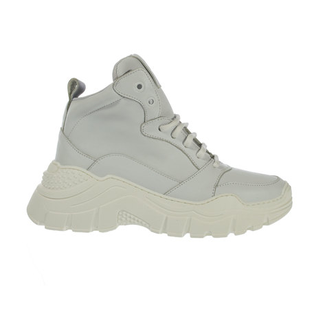 Ankle leather sneaker with textile lining and lace closure. Sole with heel 5 cm.